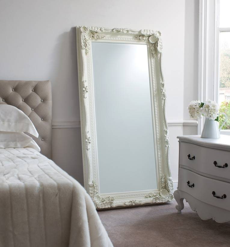 http://vzstudio.ru/wp-content/uploads/2017/02/White-furniture-with-a-mirror-intended-for-bedroom.jpg